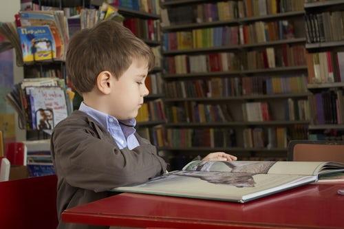 Inibizione dell'apprendimento e ritiro scolastico. Le nuove competenze dei docenti per adolescenti e preadolescenti di oggi