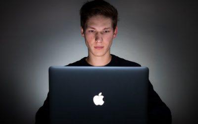 """MASTER """"Psicologia dei nuovi media. Prevenzione e trattamento delle dipendenze da internet"""""""
