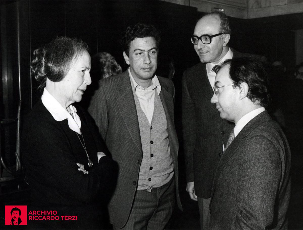 Nilde Iotti, eletta alla Presidenza della Camera, in visita a Milano (probabilmente 1979). Col sindaco di Milano Carlo Tognoli, anche Riccardo Terzi, che all'epoca è ancora Consigliere Comunale.