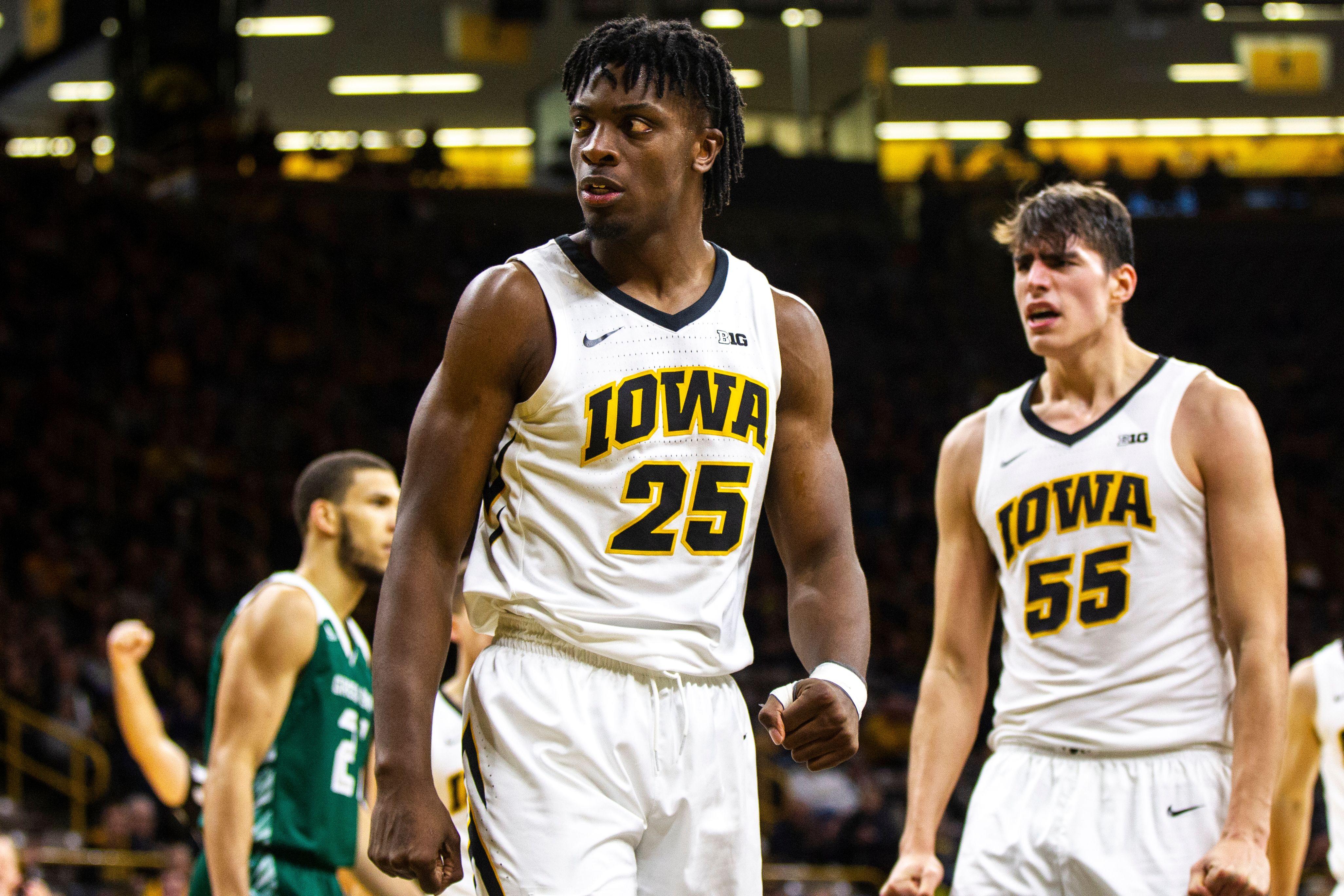 Tyler Cook e Luka Garza - Iowa