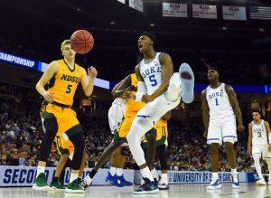 Duke domina nel giorno degli upset