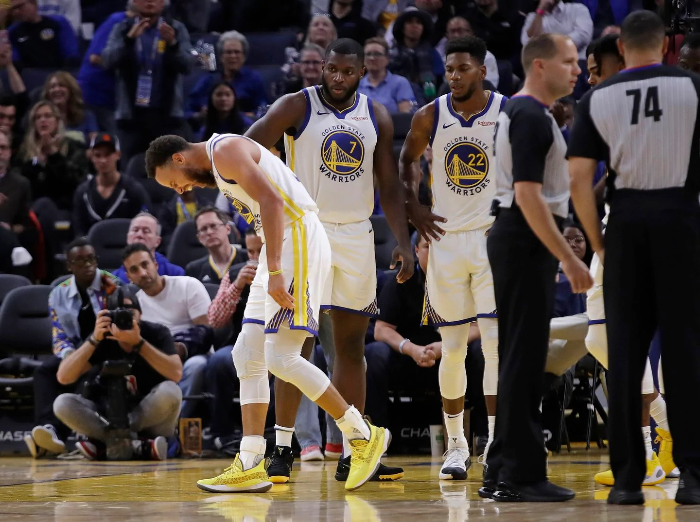 Stephen Curry infortunio mano rotta