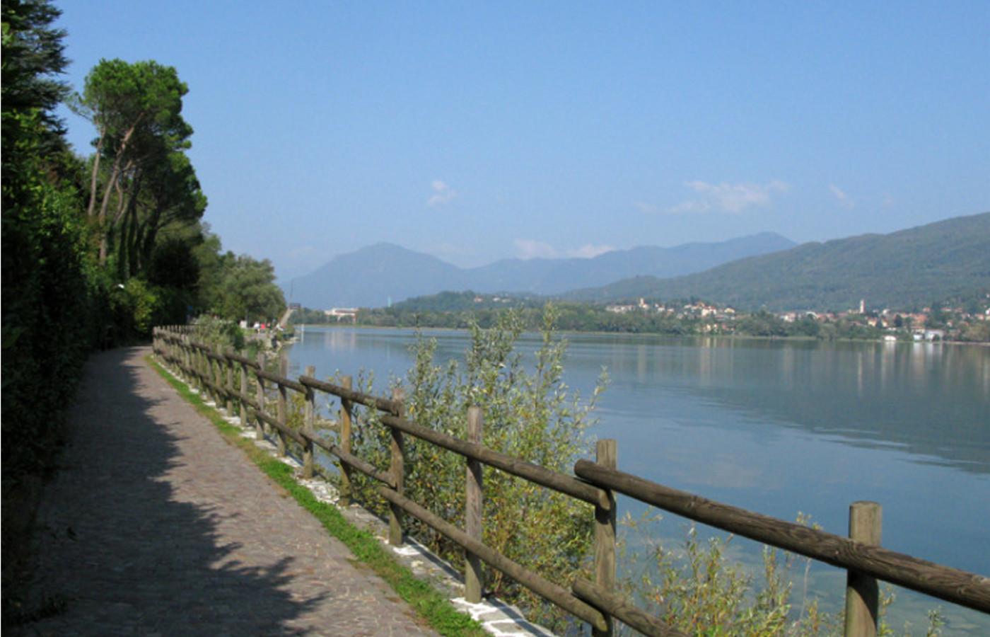 Roba da bambini Giro del lago di Varese