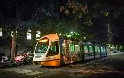 Escursione notturna su tram e bus, contro gli stereotipi