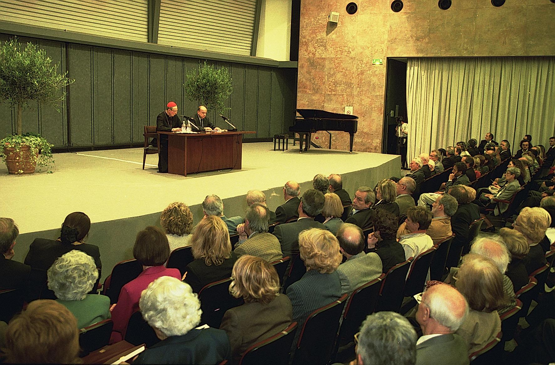 """2002, XII edizione: """"Domande sulla giustizia"""", Carlo Maria Martini e Gustavo Zagrebelsky"""