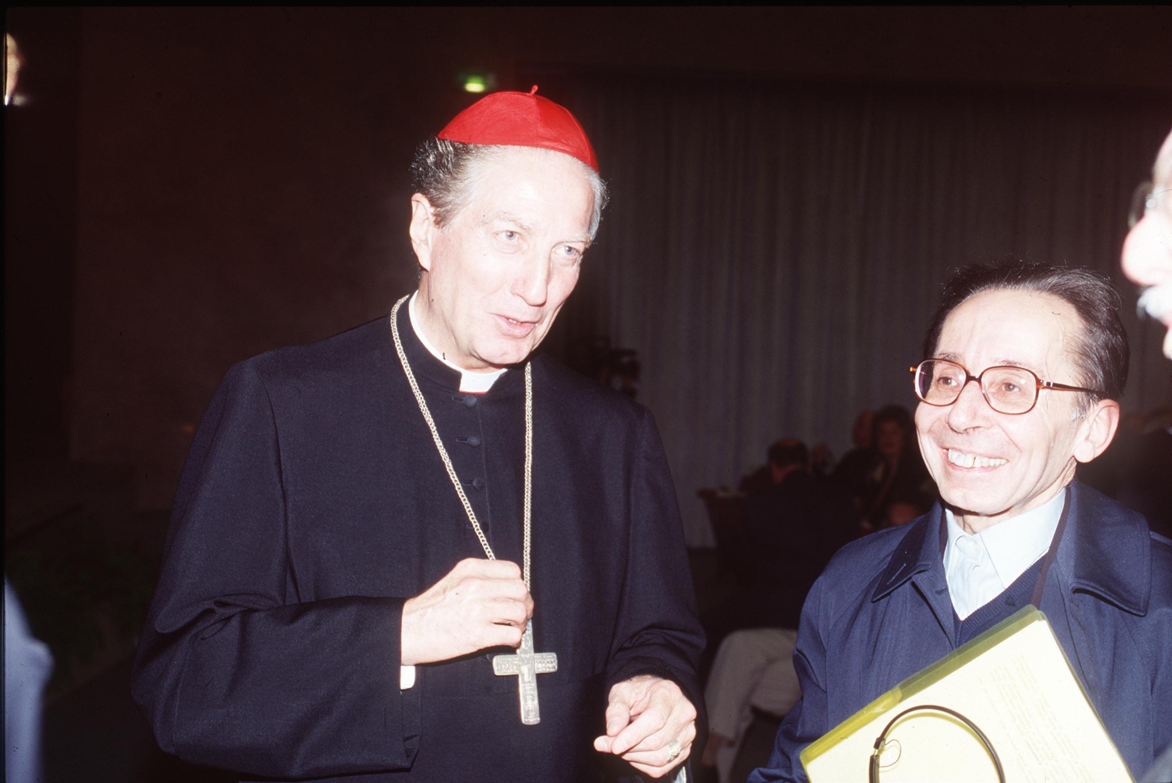 1995, VIII edizione: Martini con don Angelo Casati