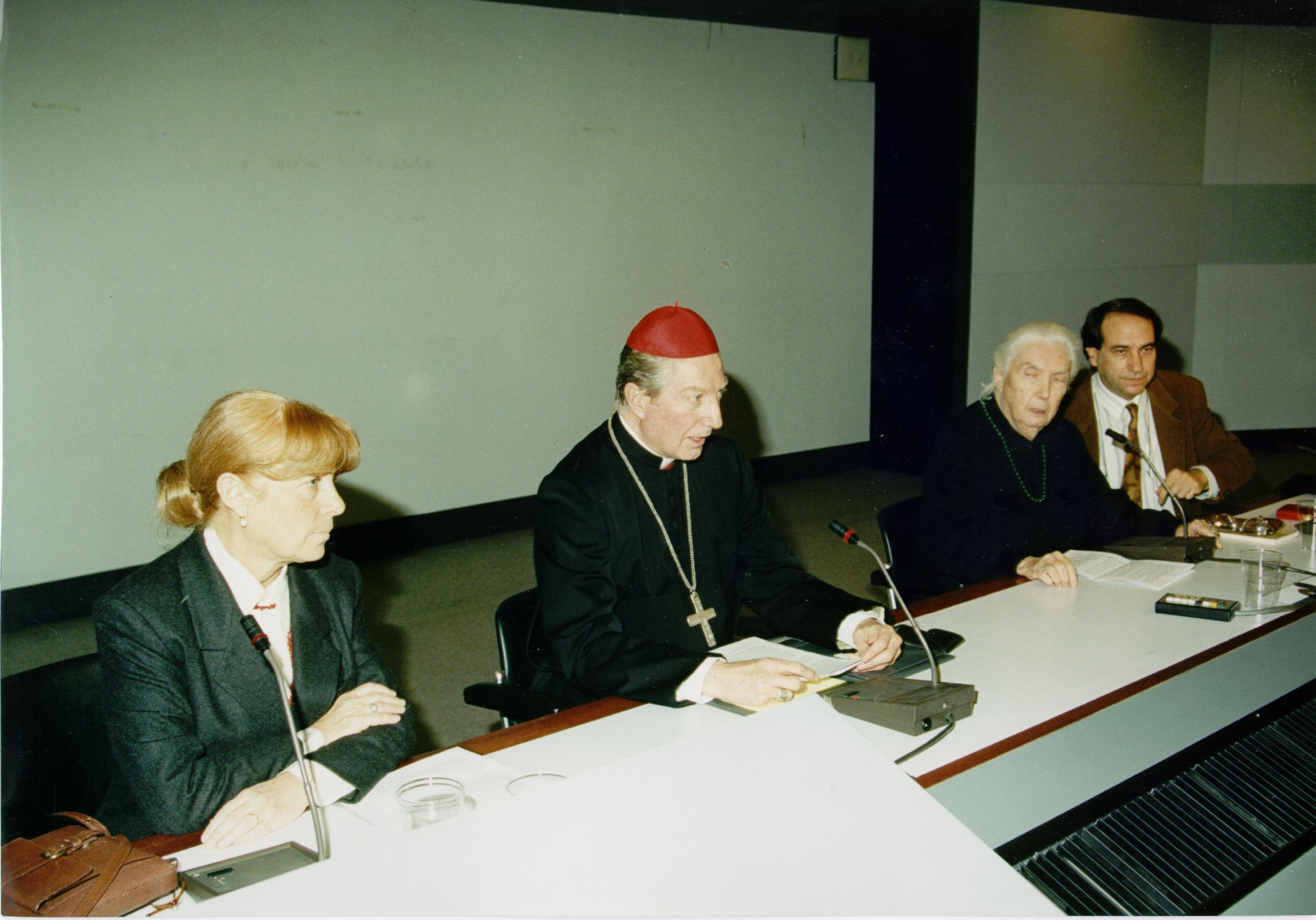 1996, IX edizione: da sinistra, Silvia Vegetti Finzi, il Cardinale, Lalla Romano e un altro ospite