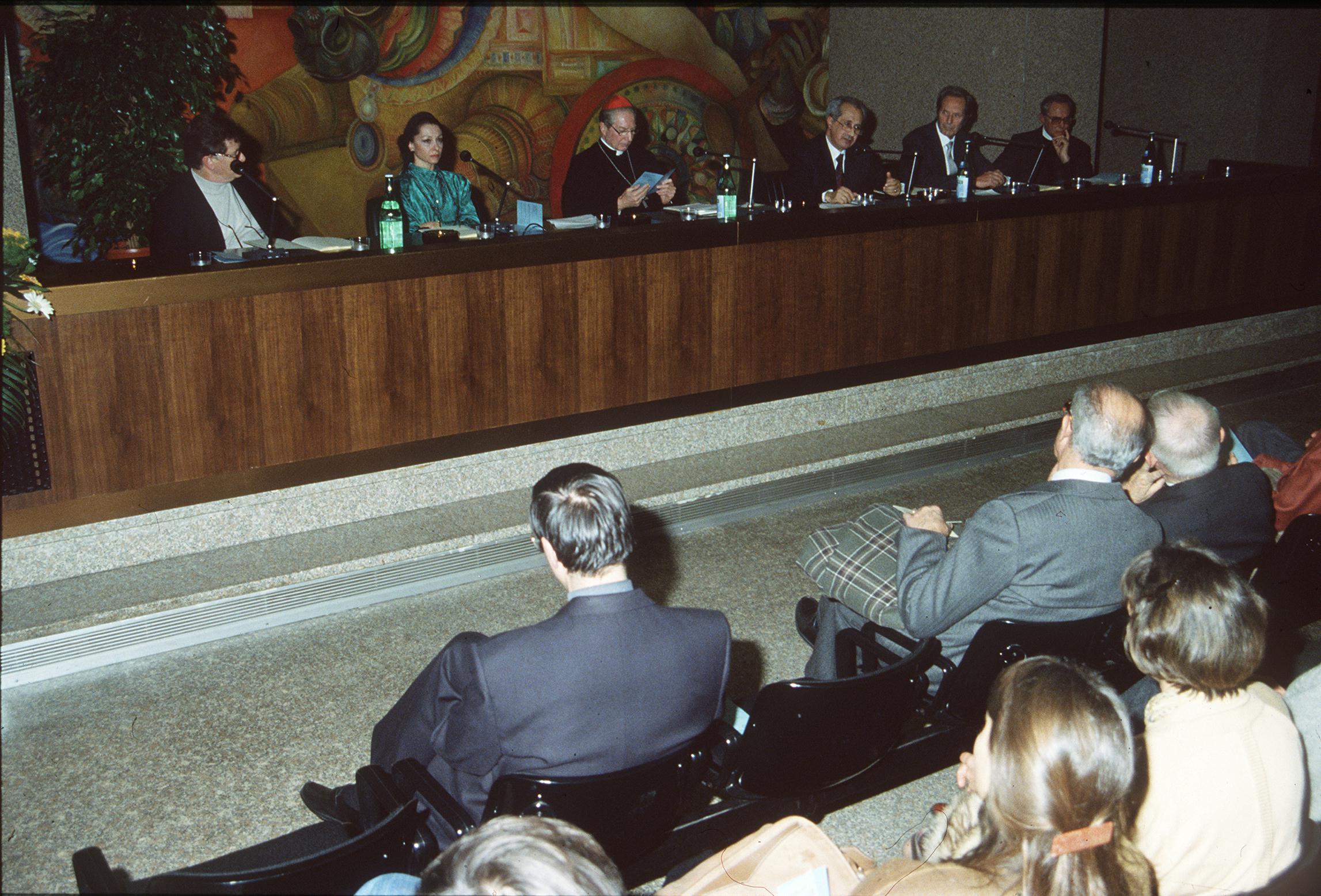 1991, V edizione: da sinistra Ermanno Olmi, Liliana Cosi, Carlo Maria Martini, Virgilio Melchiorre, Carlo Maria Giulini, Giovanni Barbareschi