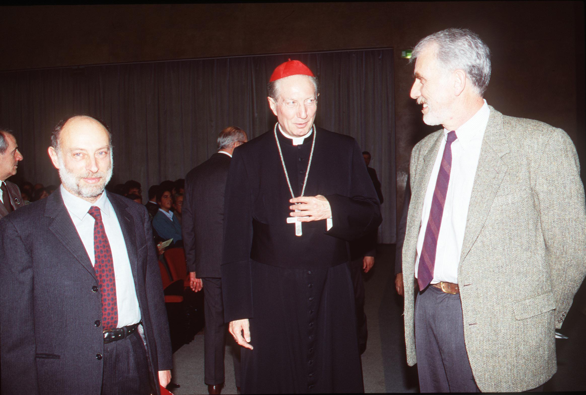 """1995, VIII edizione: """"La città visibile e invisibile"""", da sinistra: Stefano Levi della Torre, Carlo Maria Martini, Sergio Sabbadini"""