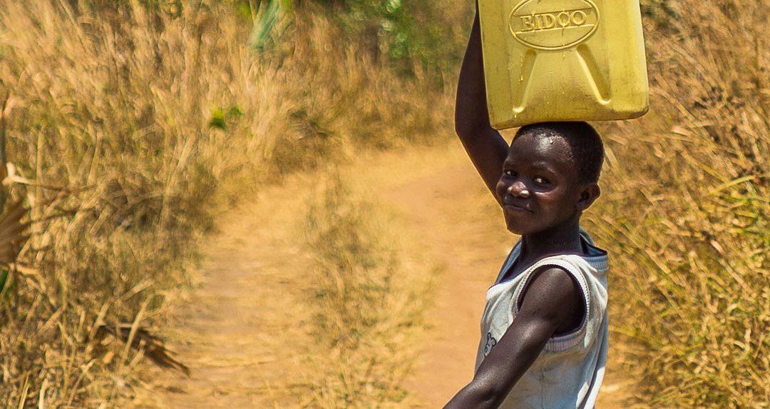 140 milioni di ore sprecate ogni giorno per cercare l'acqua